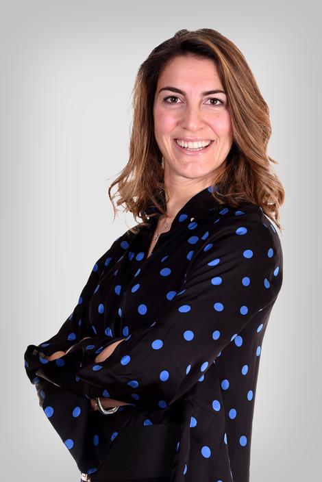 Simona Custer